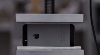 Watch How This iPhone 5S Gets Crushed